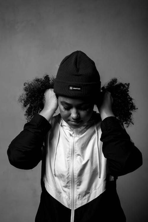 Základová fotografie zdarma na téma černobílá, chladný, dobře vypadající, dramatický