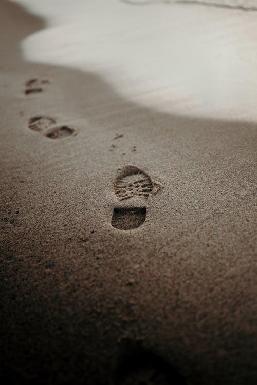Ślady Na Plaży