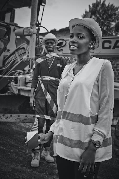 bw, アフリカ系アメリカ人, アフリカ系アメリカ人女性, エンジニアの無料の写真素材