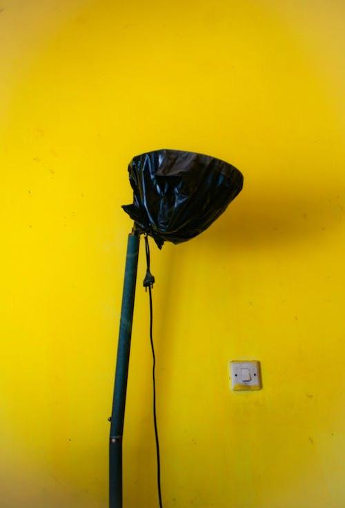 Immagine gratuita di a casa, blacklamp, interruttore della luce