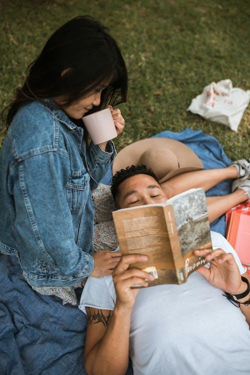 Δωρεάν στοκ φωτογραφιών με booklovers, αγάπη, ανάγνωση