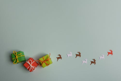 Tiny giftboxes and paper deer