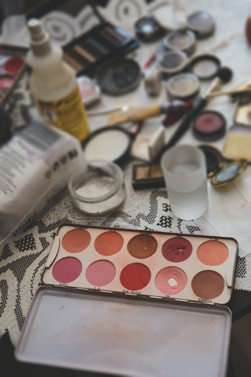 Eyeshadows and tools for makeup in daytime