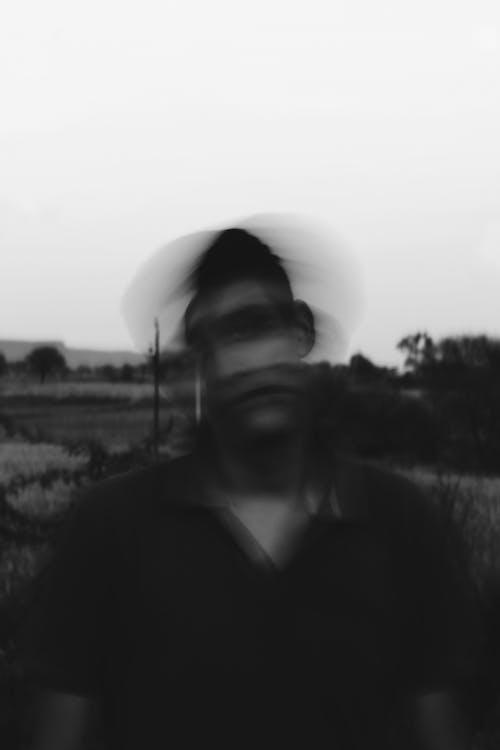 Darmowe zdjęcie z galerii z ciemny, cień, czarno-biały, lornetka