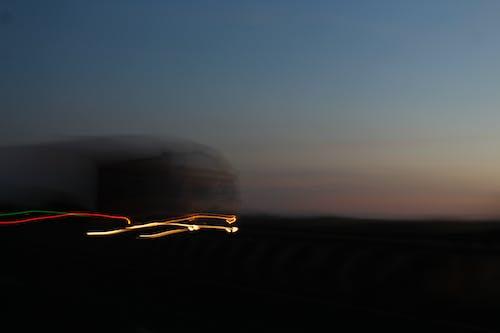 Darmowe zdjęcie z galerii z ciemny, droga, jasny, krajobraz