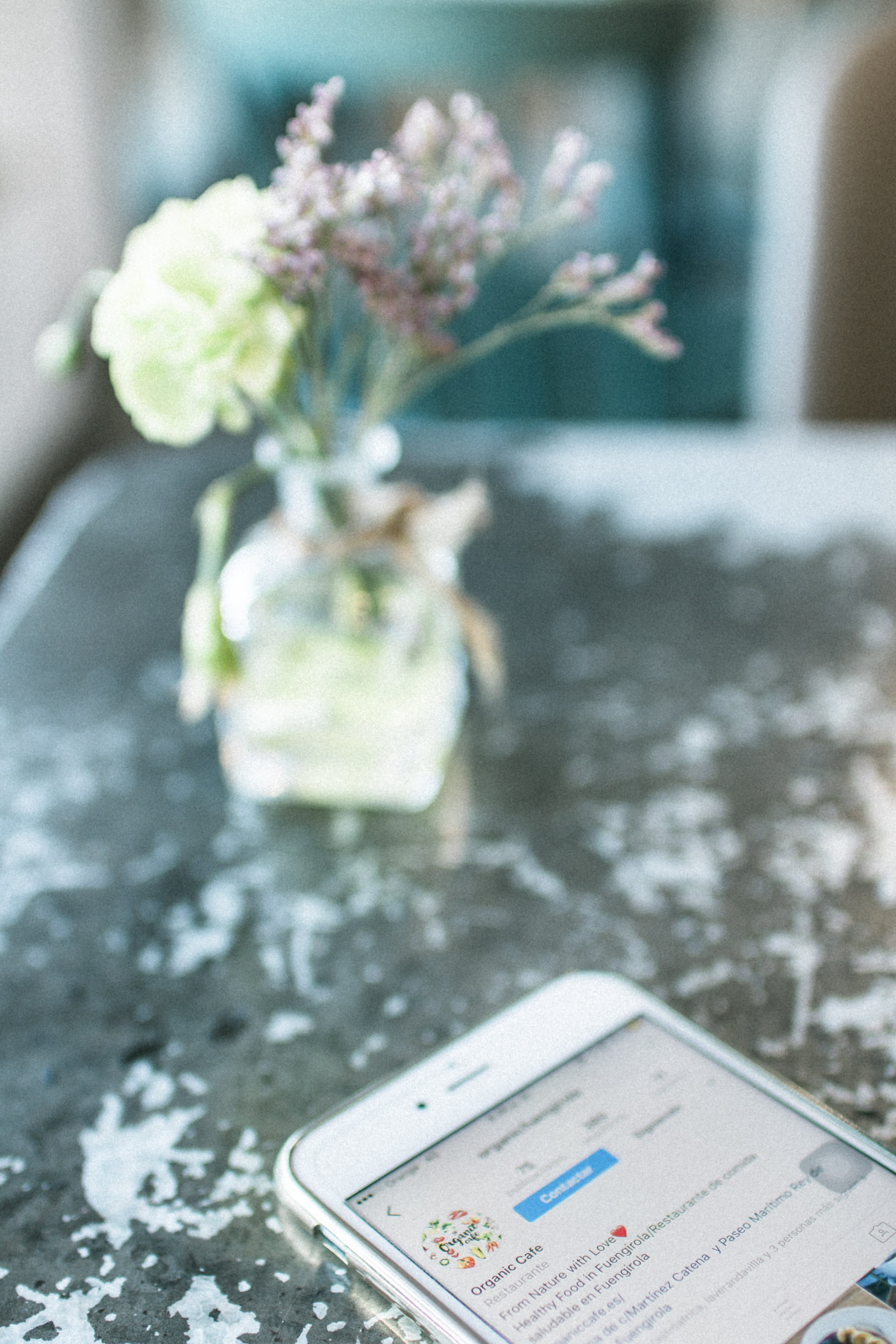 Selective Focus Photography of Smartphone on Table