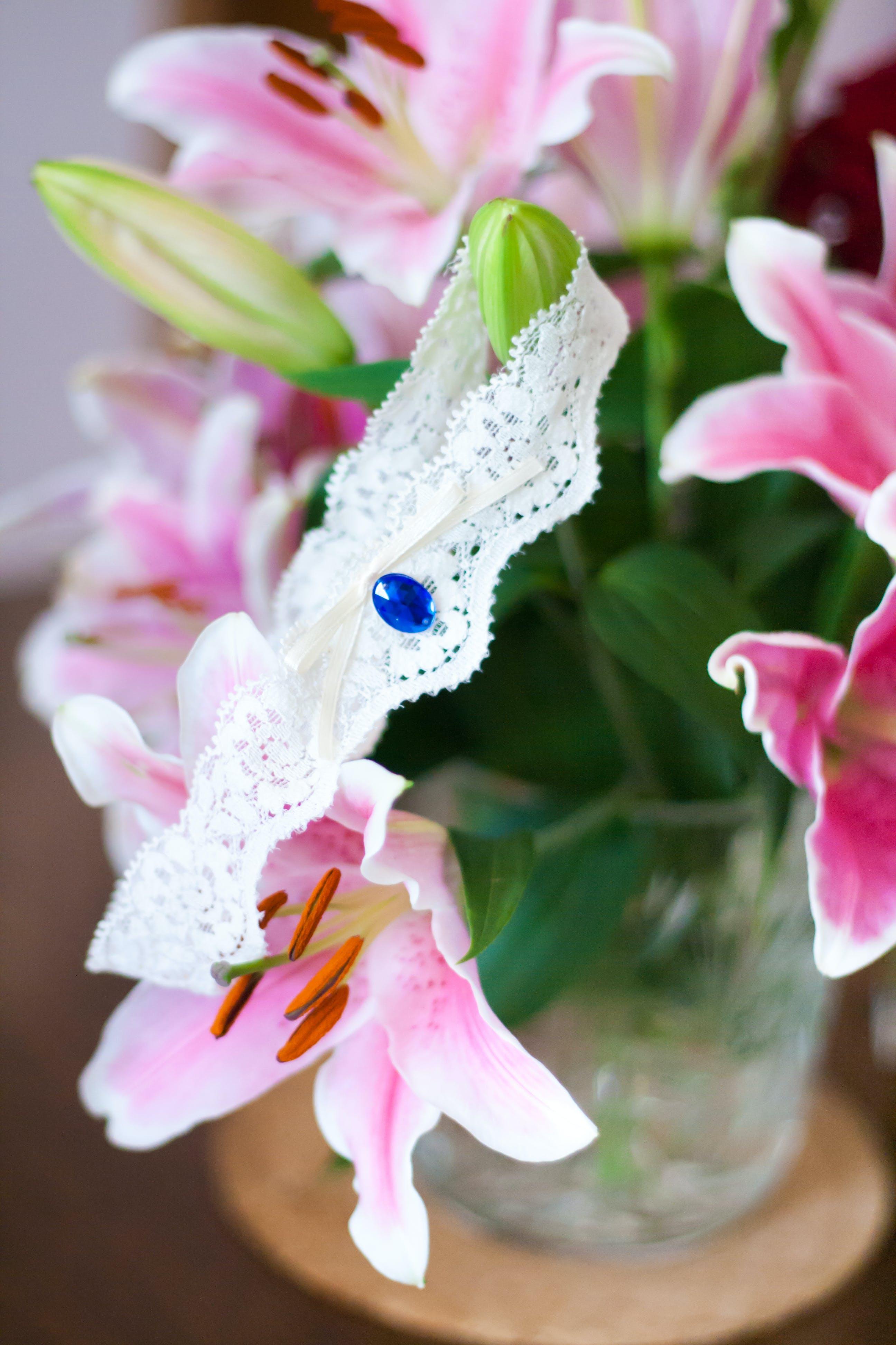 Garter on flowers
