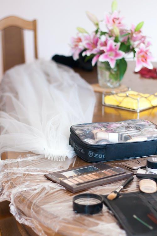 Fotobanka sbezplatnými fotkami na tému mejkap, pred, svadba, svadobný