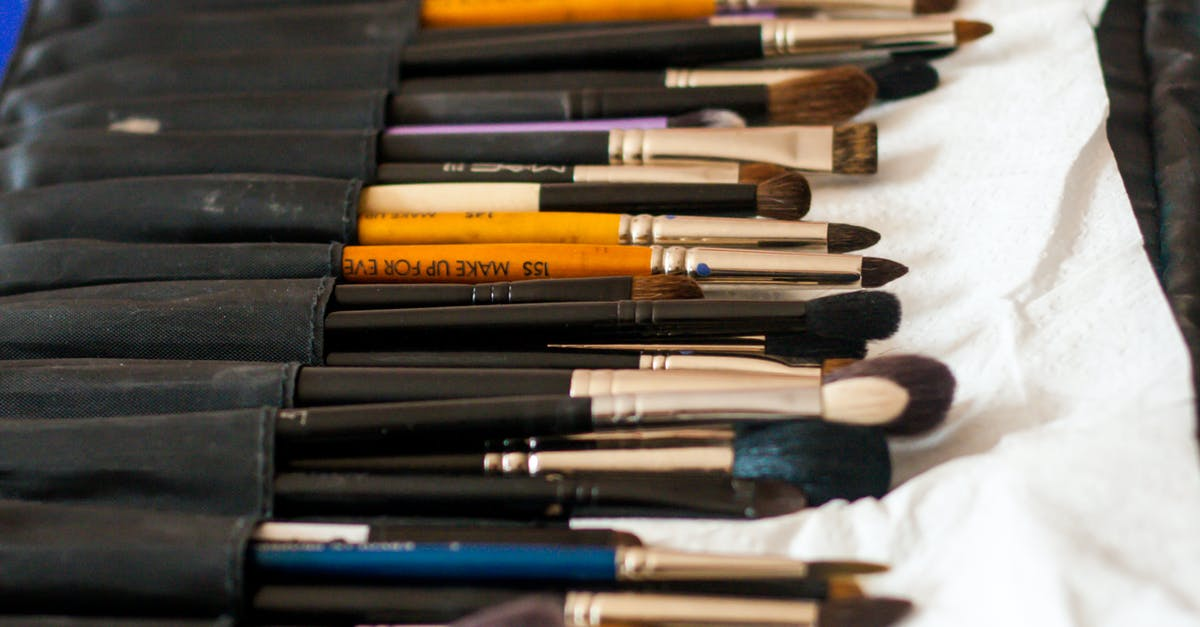 Makeup brushes · Free Stock Photo
