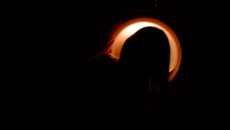 Foto stok gratis cahaya, diterangi, gelap, orang