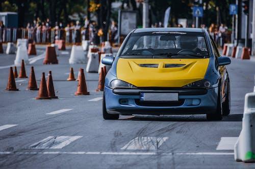 Kostenloses Stock Foto zu aktivität, asphalt, auto
