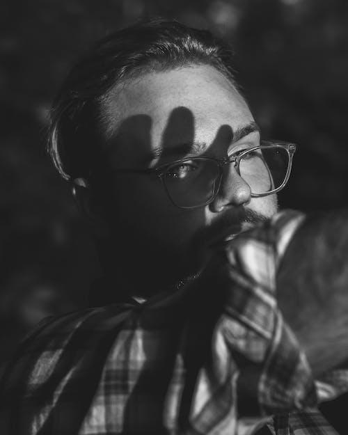 Fotobanka sbezplatnými fotkami na tému baeutiful oči, bočný pohľad, čierna a biela, čiernobiely