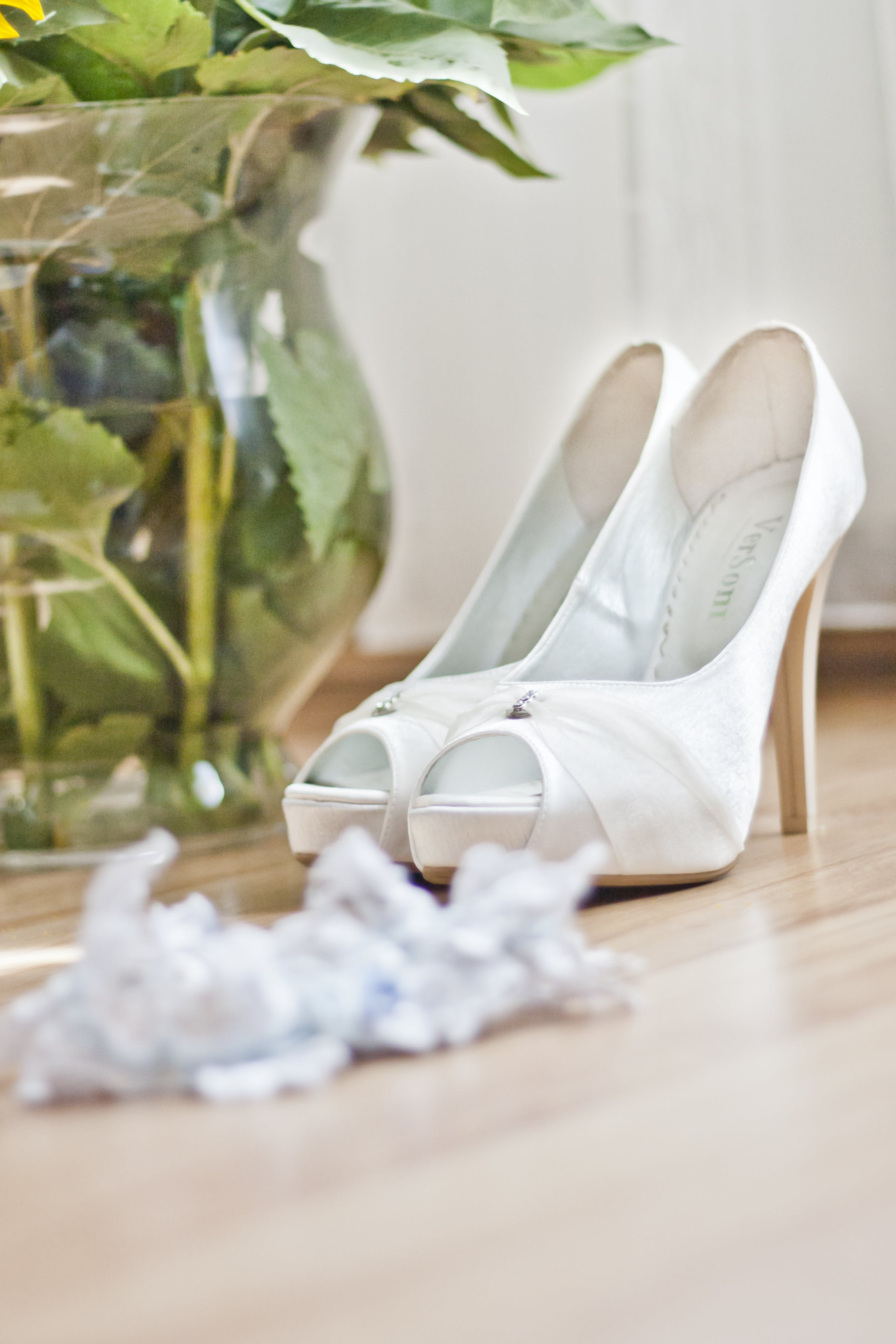 Wedding shoes & garter