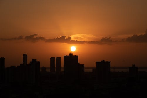 Immagine gratuita di acqua, alba, città