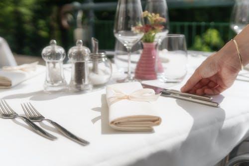 Ingyenes stockfotó asztalterítő, beltéri, borospoharak, bors témában