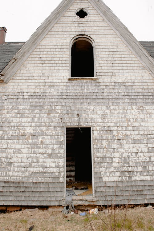 Foto profissional grátis de abandonado, ao ar livre, arquitetura, capela