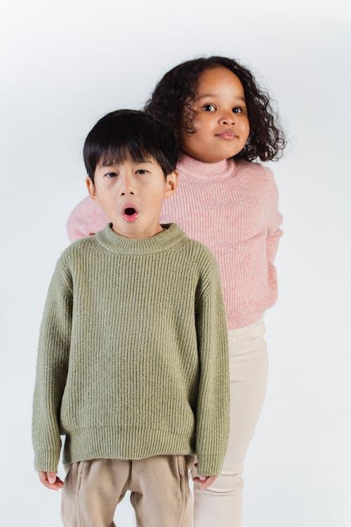 Gratis arkivbilde med afrikansk amerikansk jente, asiatisk gutt, barn, barndom