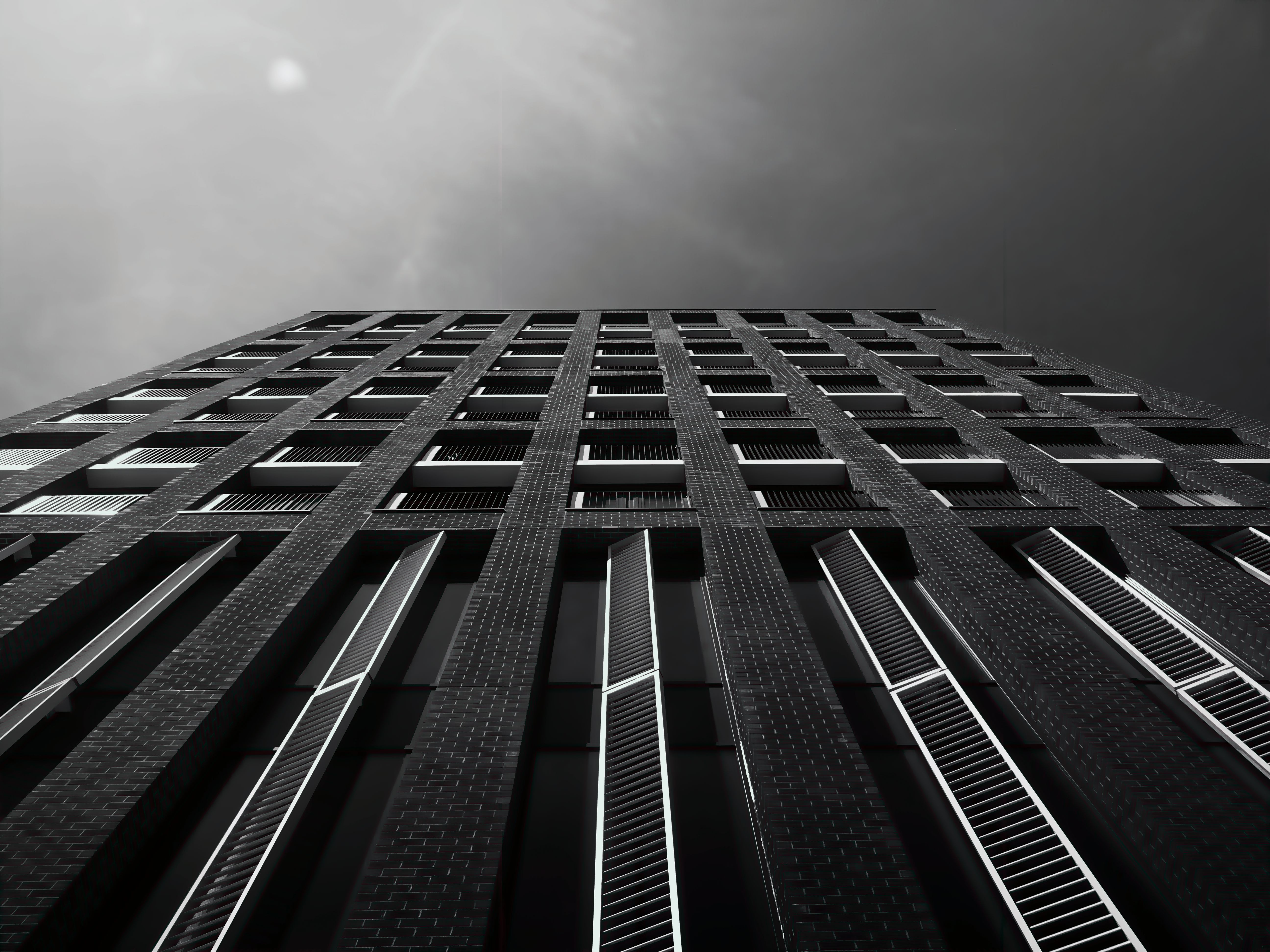 Free stock photo of black-and-white, city, sky, building