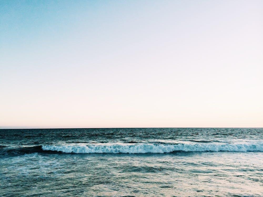 ขอบฟ้า, คลื่น, ชายหาด