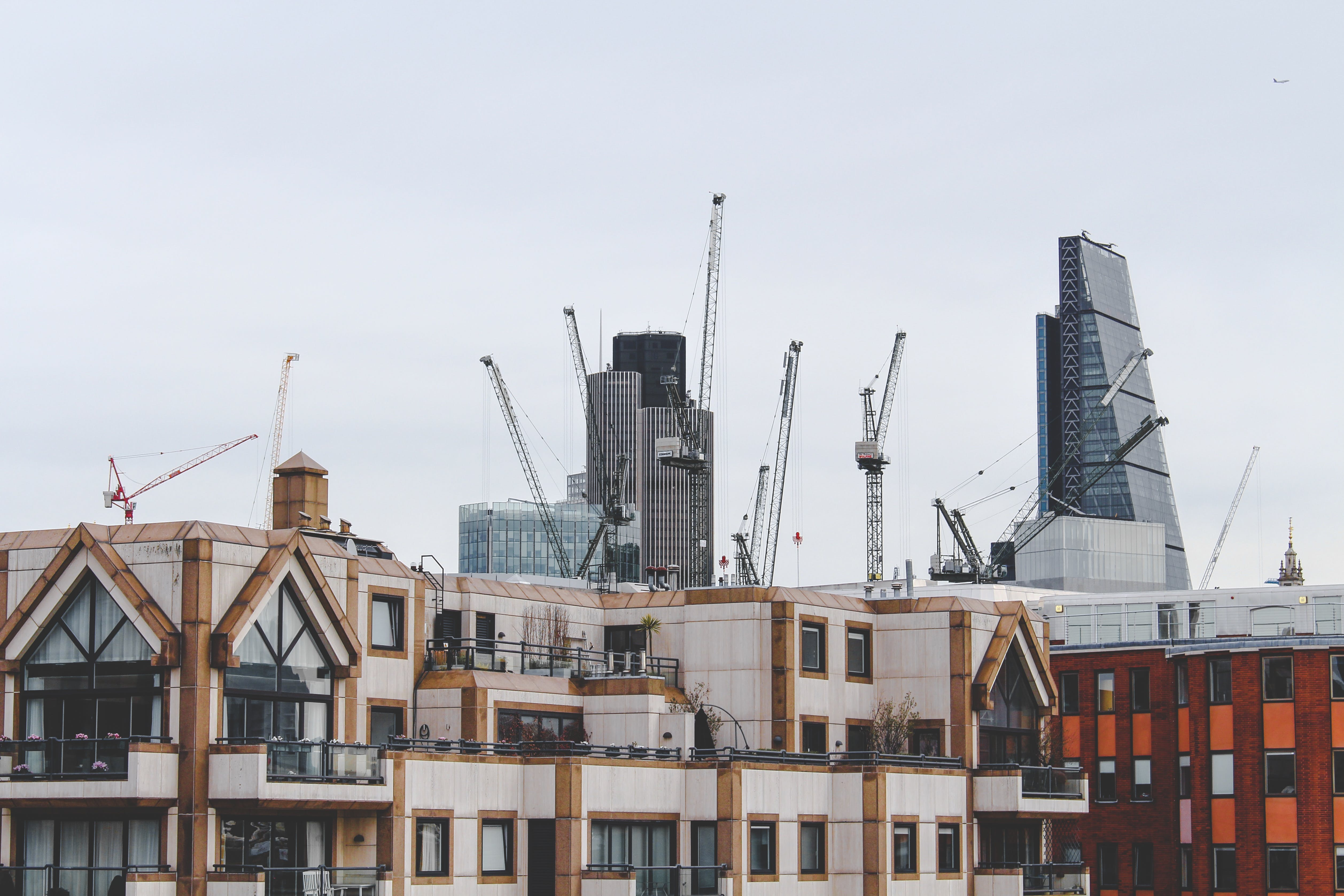 Free stock photo of architecture, buildings, constructing, crane