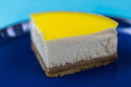 bulanıklık, cheesecake, çikolata, dilim içeren Ücretsiz stok fotoğraf