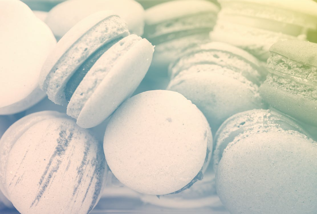 2 color, black and white, macaroons