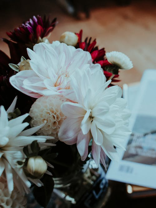 Δωρεάν στοκ φωτογραφιών με αγάπη, ανθοδέσμη, βάζο, γαμήλια τελετή