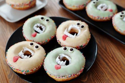 Donuts De Vampiro En Un Plato