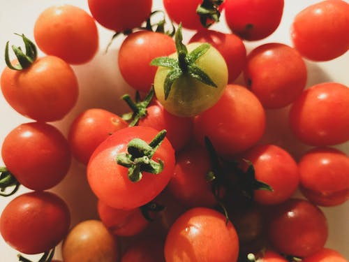 Foto profissional grátis de cherry tomatoes, fresh vegetable, red