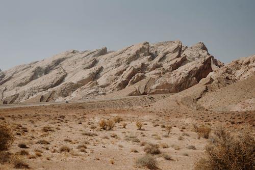 Formações Rochosas Em Terreno árido