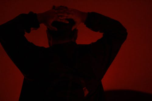 Δωρεάν στοκ φωτογραφιών με κακόκεφος, κεφάλι, κόκκινο, σκοτάδι