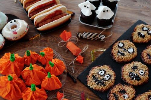 Verschiedene Lebensmittel Mit Halloween Designs