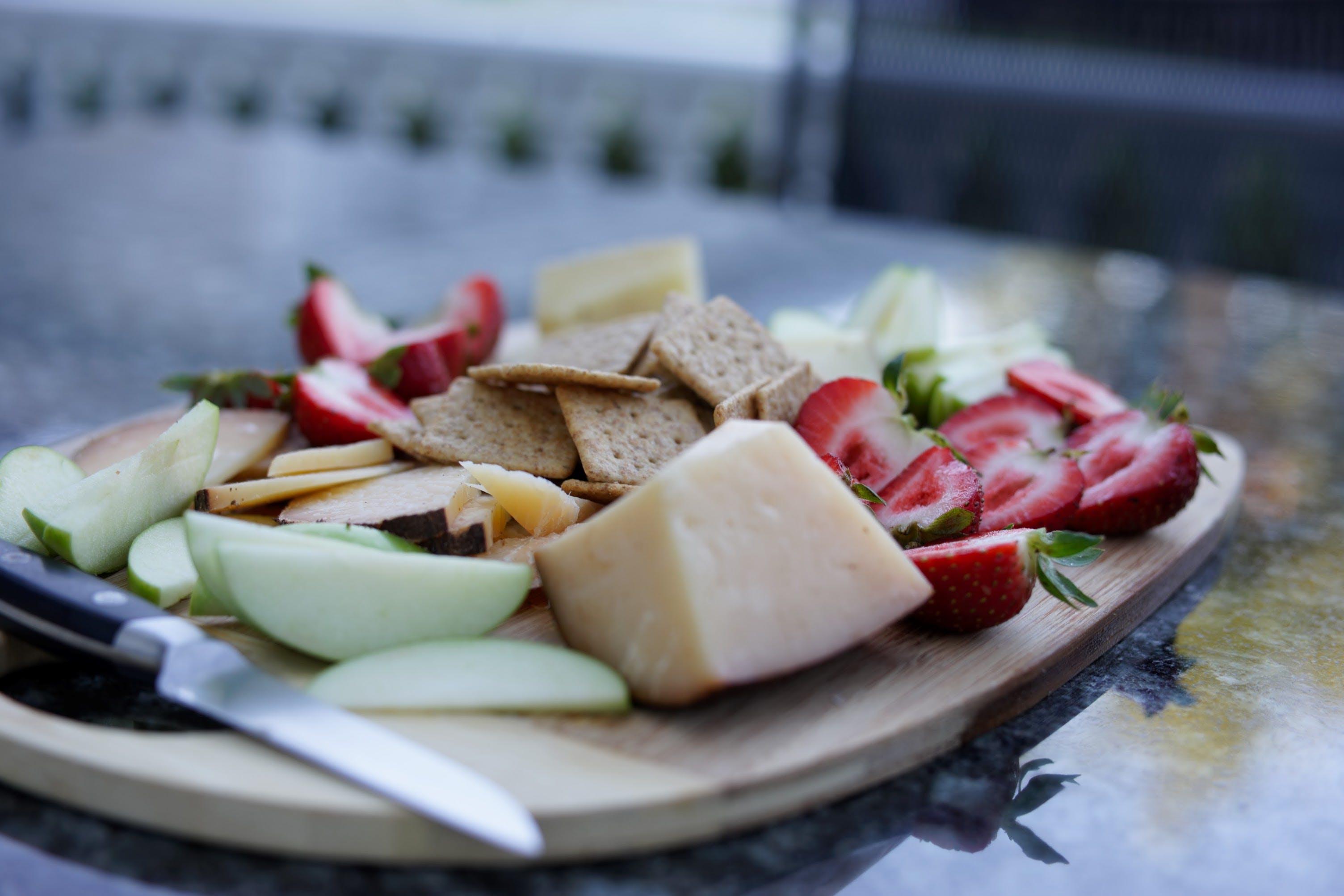 Free stock photo of cheese, cheeseplate, strawberries