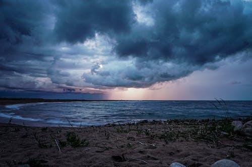 Fotobanka sbezplatnými fotkami na tému búrka, búrlivý, hromobitie