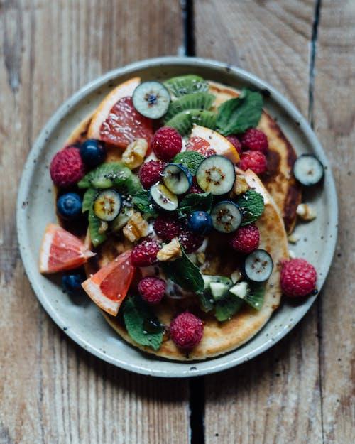 Leckeres Frühstück Mit Pfannkuchen Und Beeren