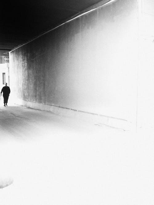 Free stock photo of black and white, мужчина, черно-белое
