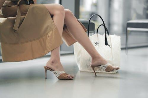 คลังภาพถ่ายฟรี ของ กระเป๋าช้อปปิ้ง, ขา, ช็อปปิ้ง
