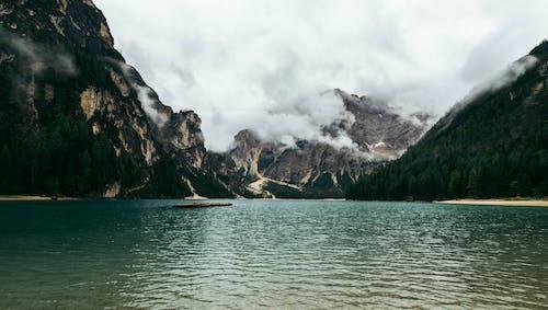 Fotobanka sbezplatnými fotkami na tému denné svetlo, exteriér, hory, krajina