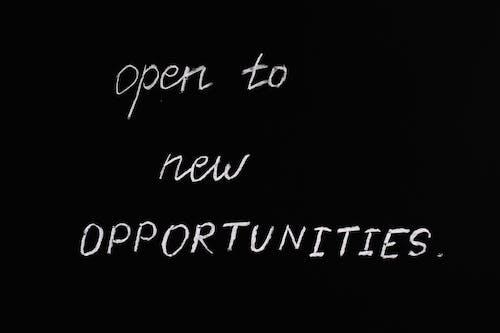 Offen Für Neue Möglichkeiten Beschriftungstext Auf Schwarzem Hintergrund
