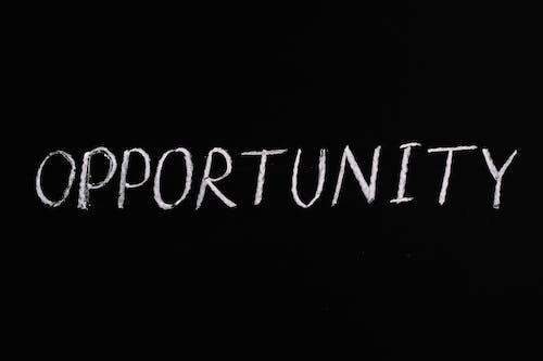 Texto De Letras De Oportunidad Sobre Fondo Negro