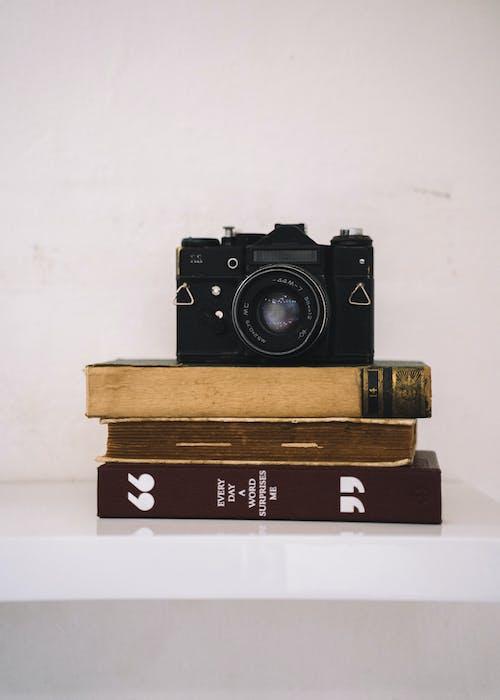 Ingyenes stockfotó analóg, analóg fényképezőgép, analóg kamerák, antik témában