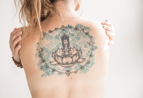 Δωρεάν στοκ φωτογραφιών με tattoo, γυμνός, γυναίκα