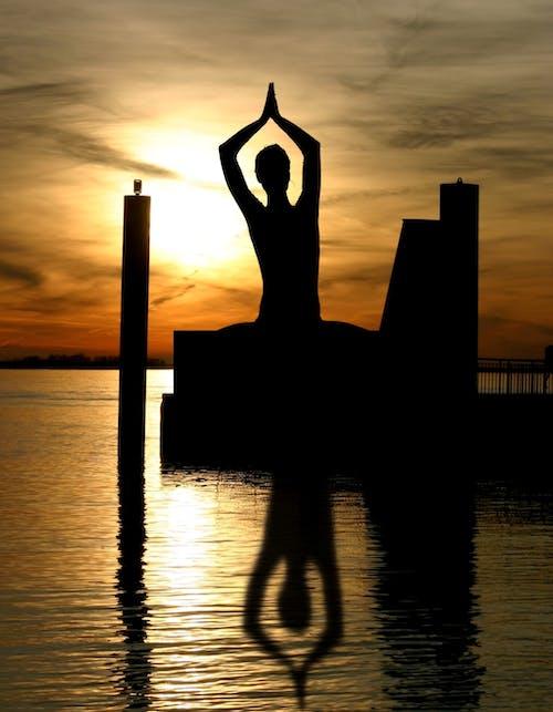 barışçıl, düşünmek, gökyüzü, gölge içeren Ücretsiz stok fotoğraf
