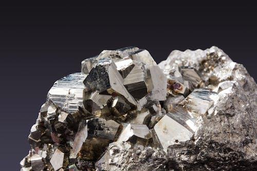 cevher, Demir, deyimsel kristaller, köpürmek içeren Ücretsiz stok fotoğraf
