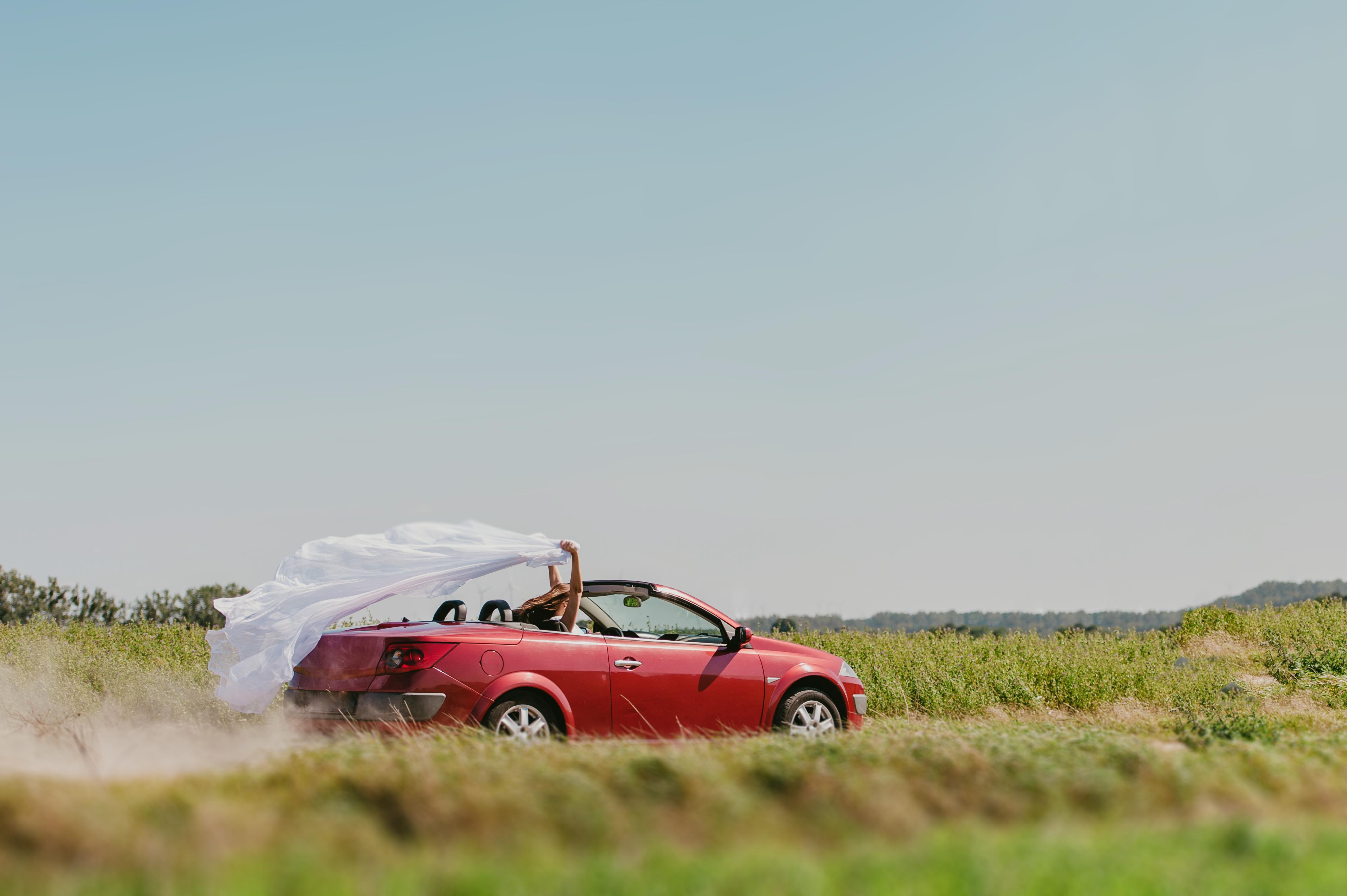 Аренда свадебного автомобиля: почему стоит воспользоваться этой услугой?