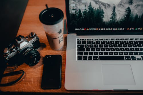 Ingyenes stockfotó asztal, beltéri, billentyűzet, elektromos témában