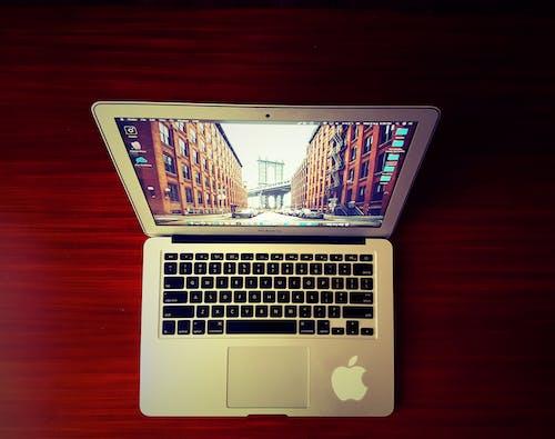 Δωρεάν στοκ φωτογραφιών με laptop