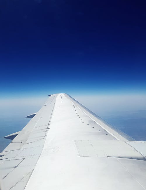 Δωρεάν στοκ φωτογραφιών με αεροπλάνο, γαλάζιος ουρανός