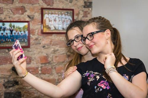 Free stock photo of selfie, smartphone