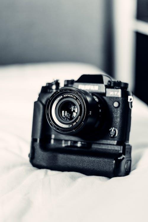 Foto d'estoc gratuïta de afició, art, artefacte, blanc i negre